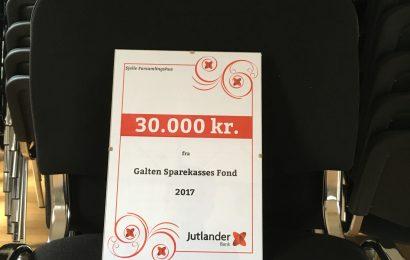 30.000.- kr fra Jutlanderbank til nye stole i Sjelle Forsamlingshus